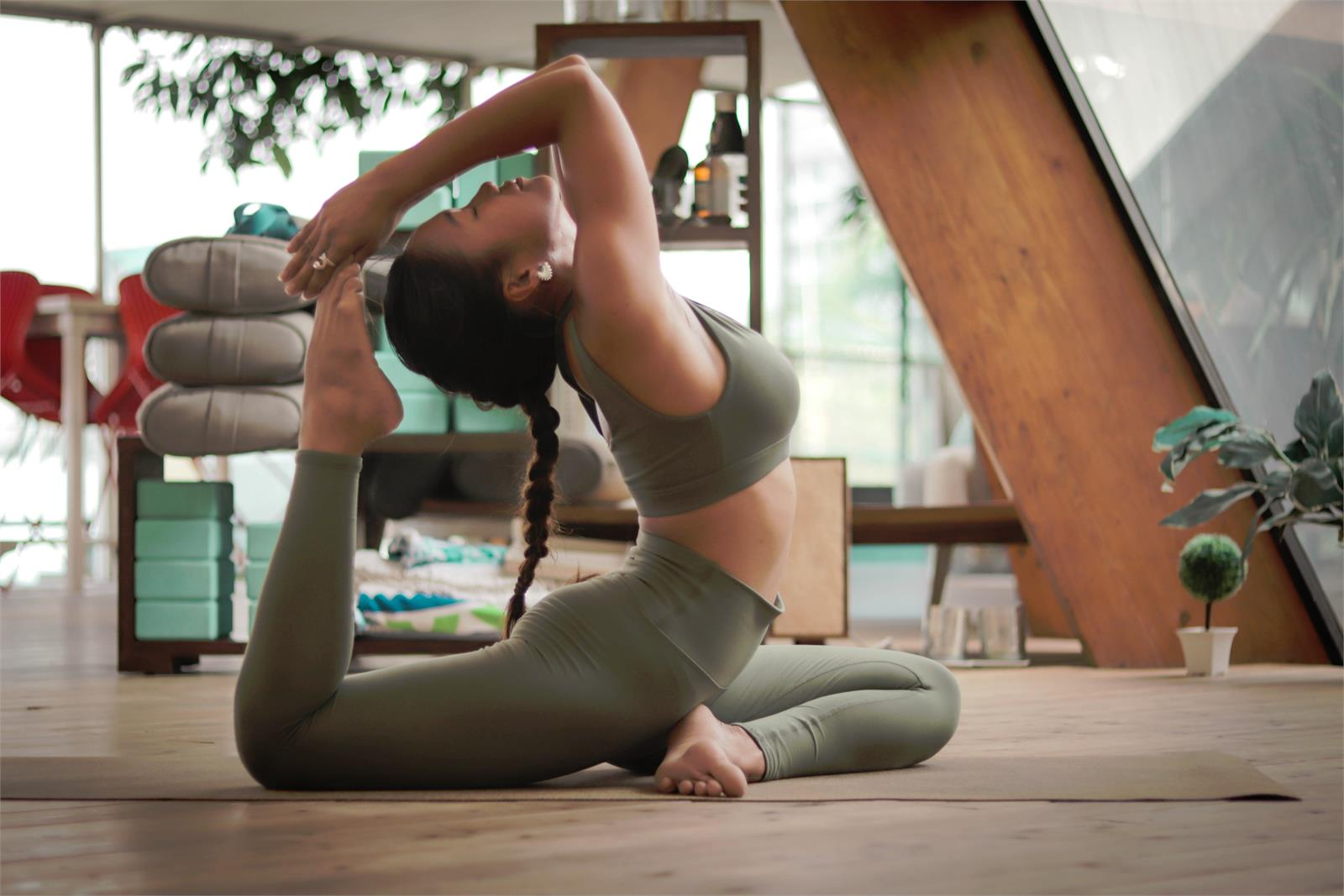 Vi välkomnar vår nya yoga instruktör