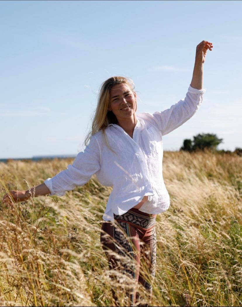 *Intuitive Flow Yoga med Johanna Ramsell*